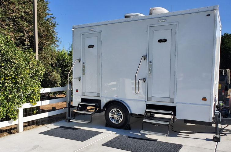 2 unit portable restroom trailer